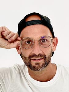 Profilbild von Sebastian Dumjahn Web, Grafik, Corporate & Visual-Design für Mode, Konsumgüter, Unterhaltung, Musik & Kultur. aus Duesseldorf